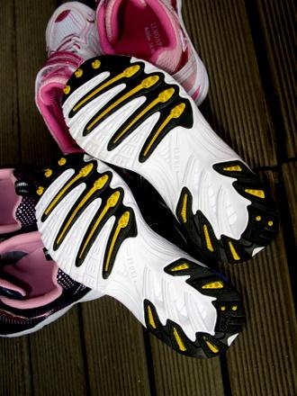 非対称ソール 男の子用の靴