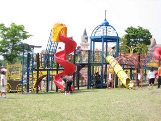 園内の固定遊具