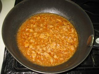 シーズニングで挽肉を炒める