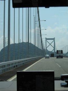 関門海峡を渡る