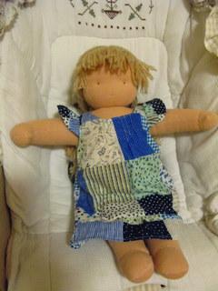 ウォルドルフ人形のアリスちゃん