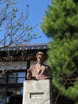 夏目漱石の像