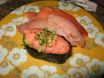 3種盛り寿司の皿