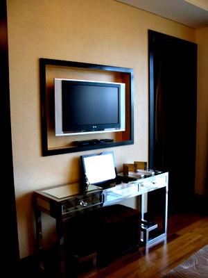TVと鏡台
