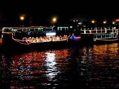 ダウ船からの夜景3