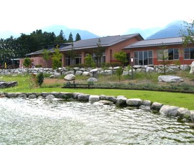 尾白の湯の建物