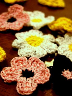 お花のモチーフ編み