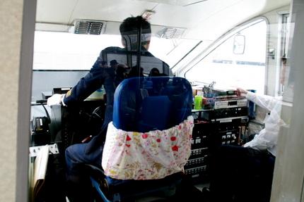 シーバス運転席