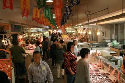 清水魚市場河岸の市の中