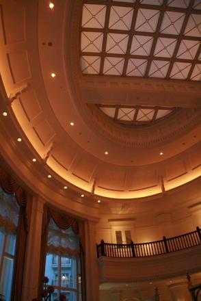 ラウンジの天井