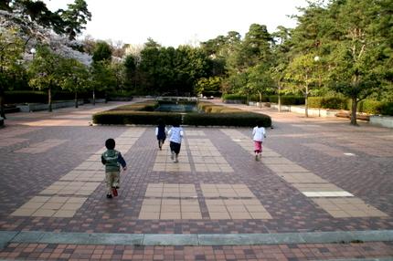 万力公園の広場(?)